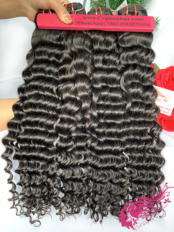 Csqueen 9A Deep Wave Hair Weave 3 Bundles with 4 * 4 Transparent lace Closure Human Hair